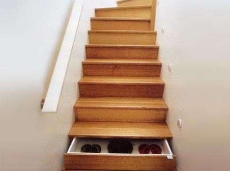 Hidden Drawers in Staircase