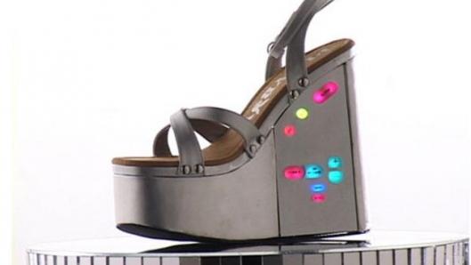 Platform shoe with secret stash compartment
