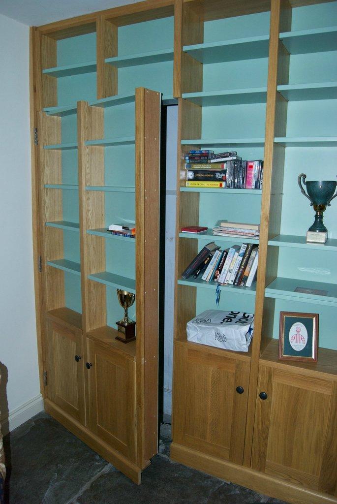 Secret Bookcase Door And Tunnel Stashvault