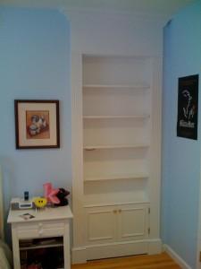 Secret Bookshelf Door Opens to Hidden Room