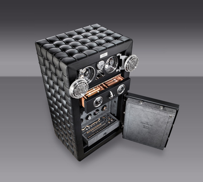 Leather covered luxury Döttling safe