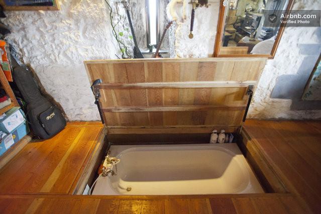 Floor Lifts to Reveal Hidden Hot Tub