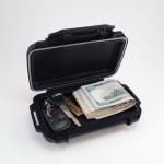 weatherproof-magnetic-stash-box-hiding-keys-cash